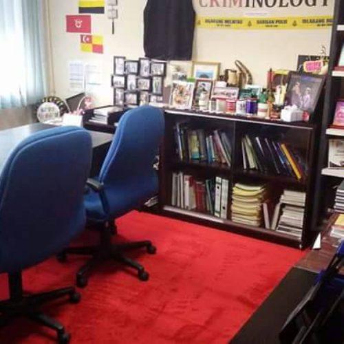 National University Malaysia-80/20 Roll Carpet